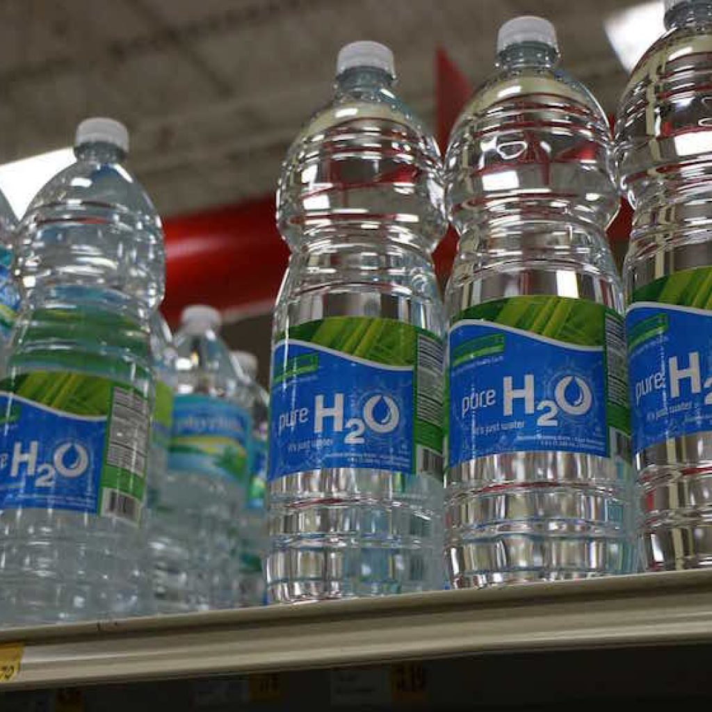 Biocoop ne vend plus d'eau en bouteille